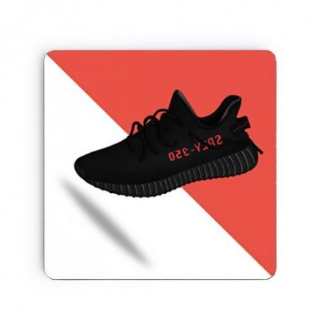 Dessous de verre carré Yeezy Boost 350 V2 Bred | La Sneakerie