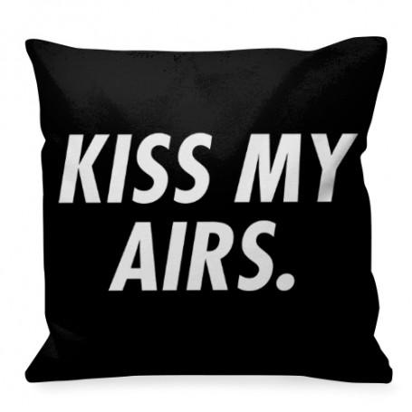Quadratisches Kissen KISS MY AIRS.   La Sneakerie